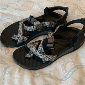 Women size 10 chaco black and white